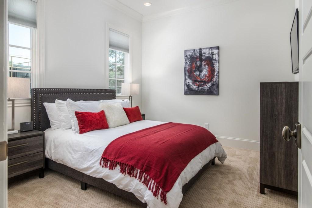 1st Bedroom (downstairs) with Queen Bed and en-suite bathroom