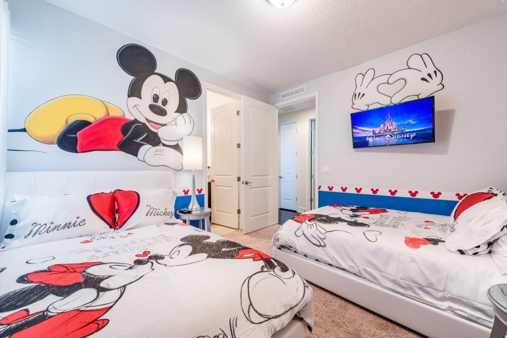 Mickey 2.jpg