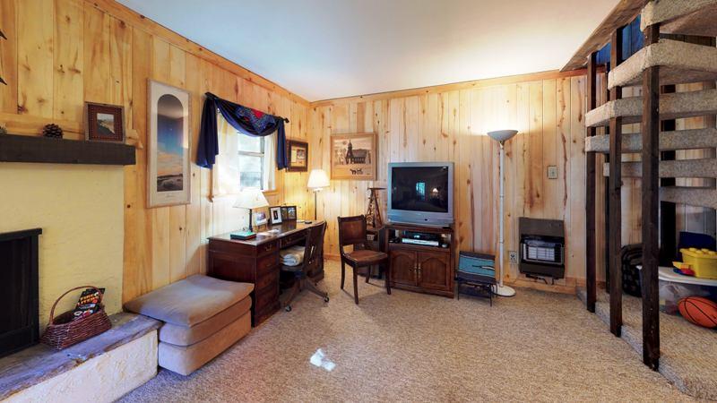 RT4MGJEAeco-Living_Room.jpg