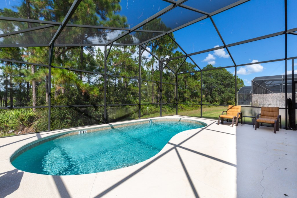 21_Pool_with_View_0721.jpg