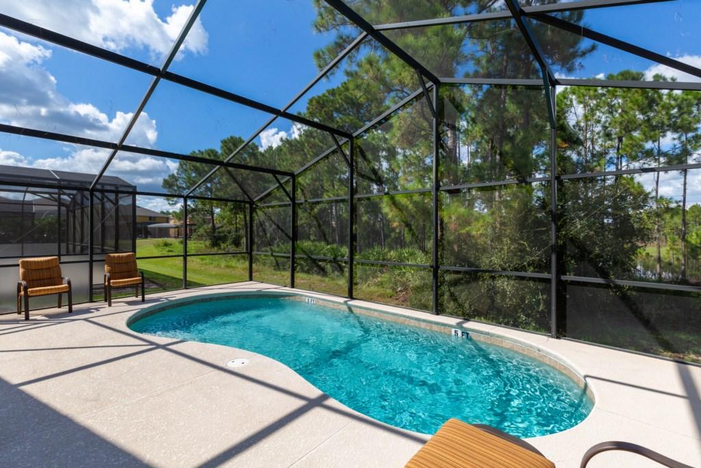 23_Large_Pool_Deck_0721.jpg