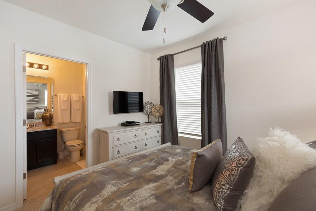 14 King bedroom TV