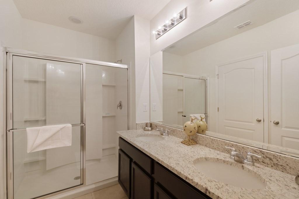 15 En-suite with shower