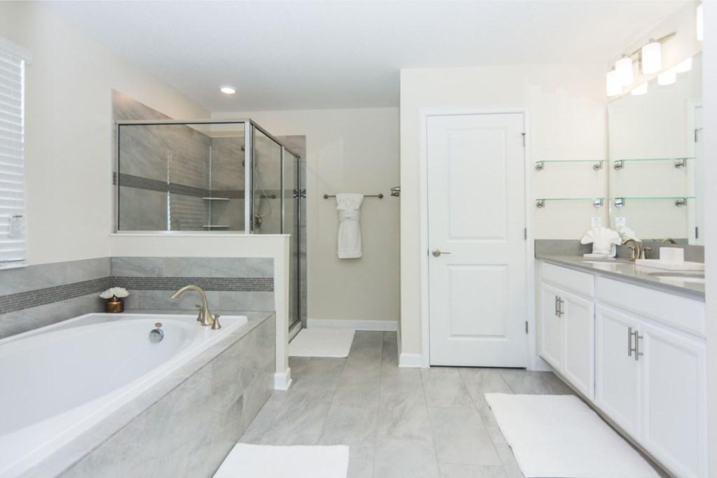 Master Suite 4 Bath.jpg