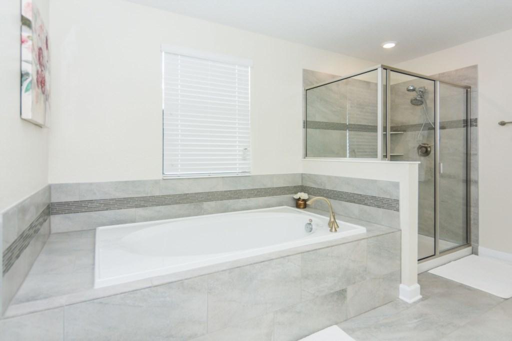 Master Suite 5 Bath.jpg