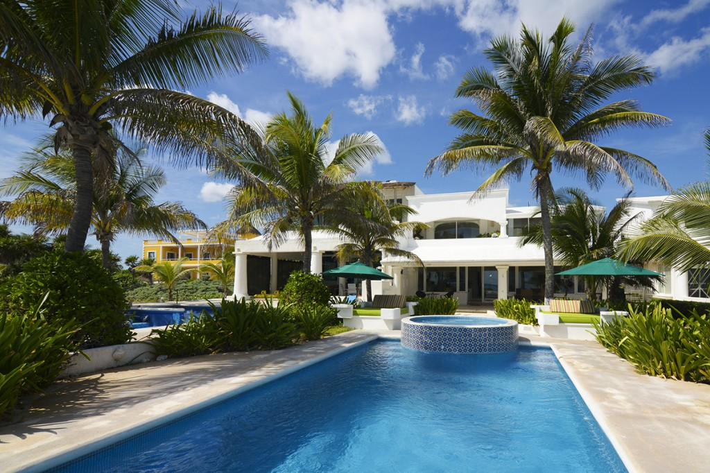 Villa-Tortuga-with-Pool-Jacuzzi-1024x682-2.jpg