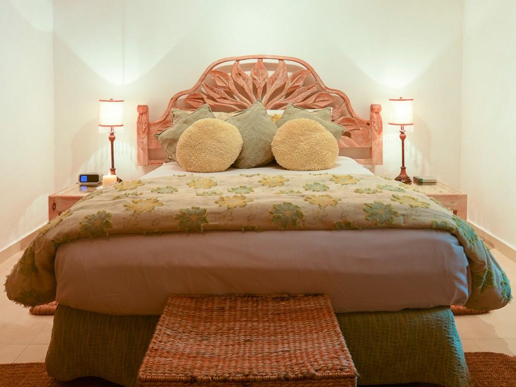 Secreto-1st-Floor-Queen-Garden-View-Bedroom-B-1024x768