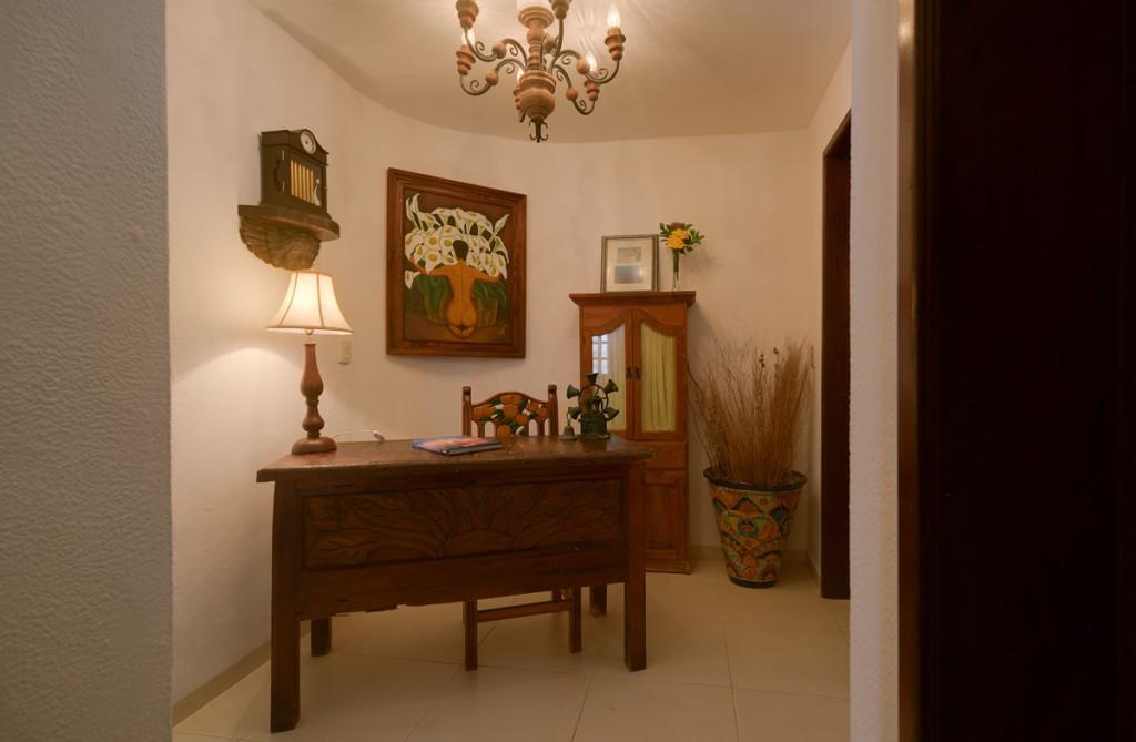 Secreto-2nd-Floor-Foyer-1024x669