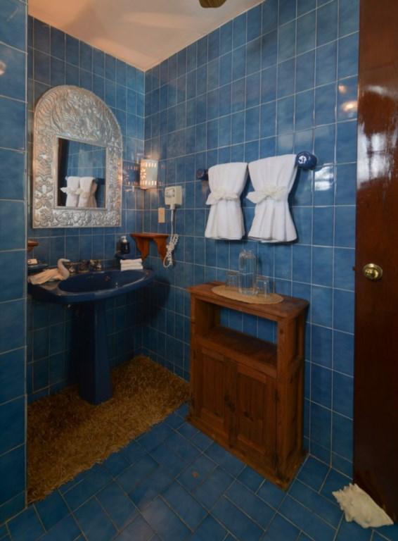 Secreto-2nd-Floor-Master-Bath-A-754x1024