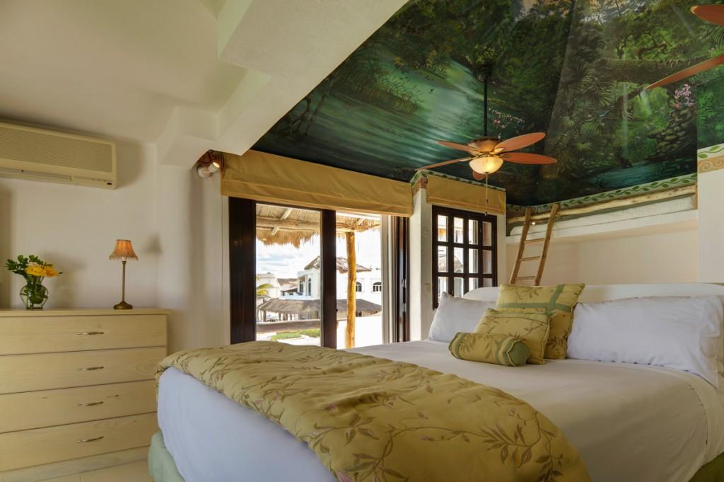Secreto-2nd-Floor-Master-King-Bedroom-A-1024x681