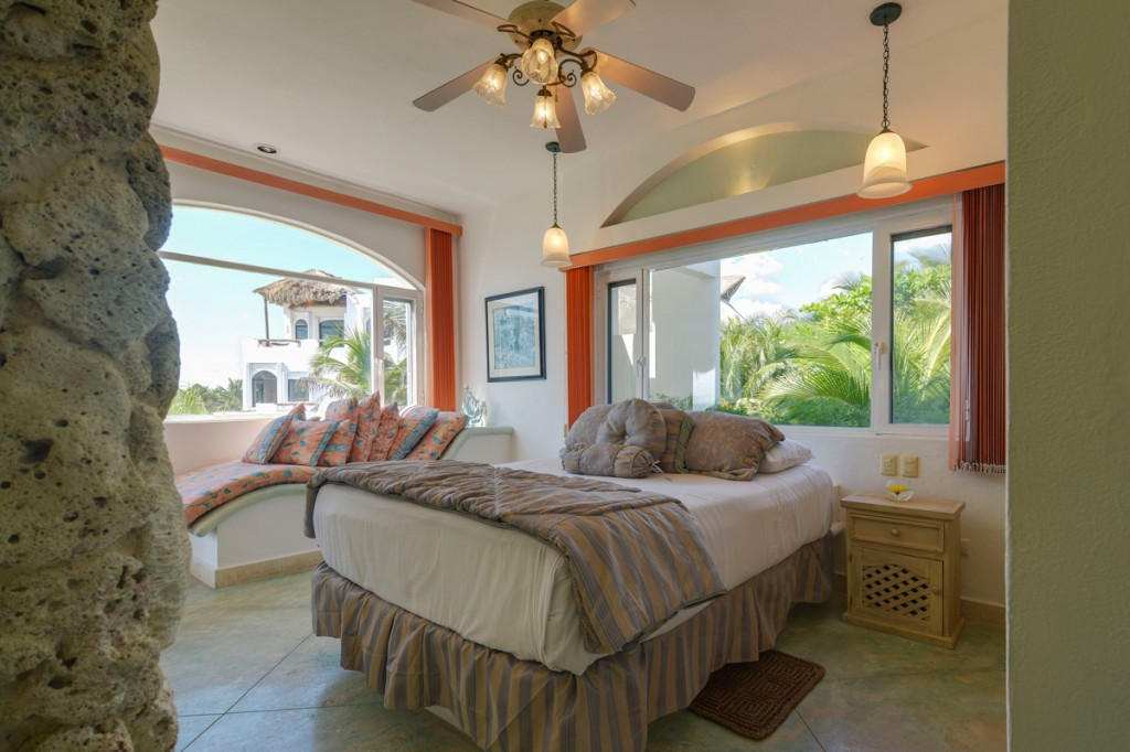 Sarita-2nd-Floor-Back-Queen-Bedroom-ocean-view-C-1024x682