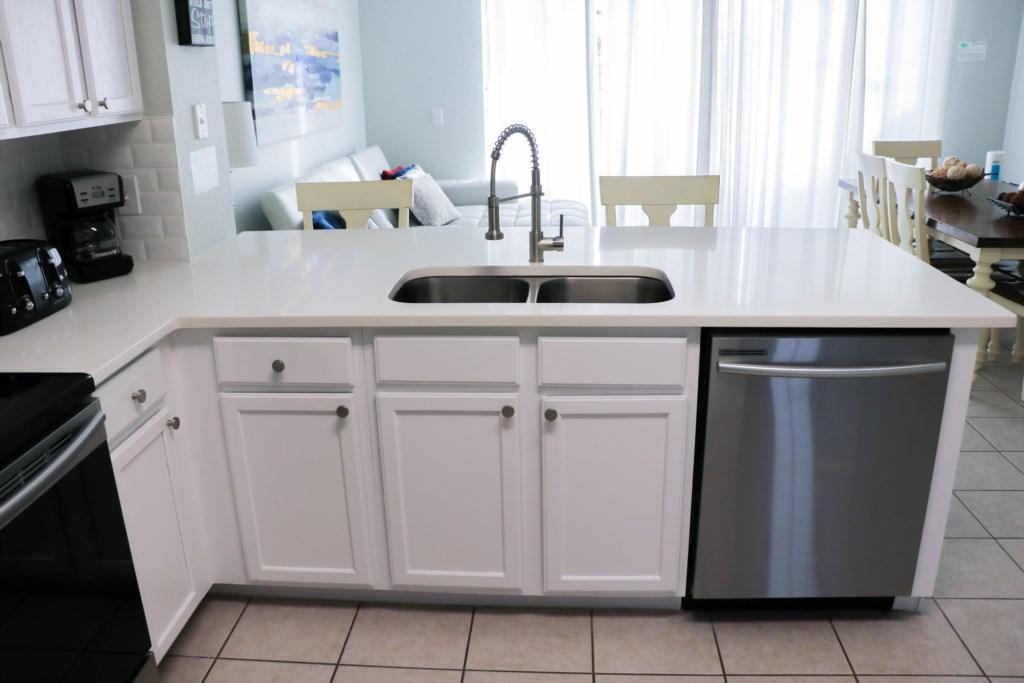 2517 kitchen 17.jpg