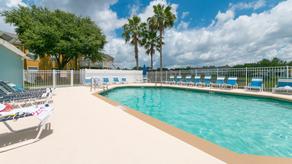 IslandClub_Pool