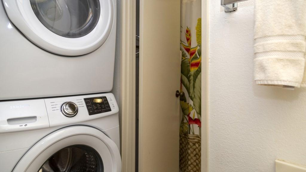 wvF202_Bath-Laundry_VRBO.jpg