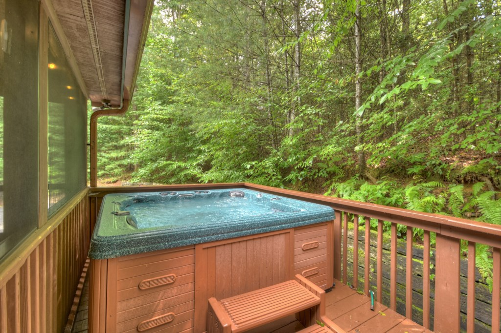 'Loved the porch and hot tub' - Review Kim