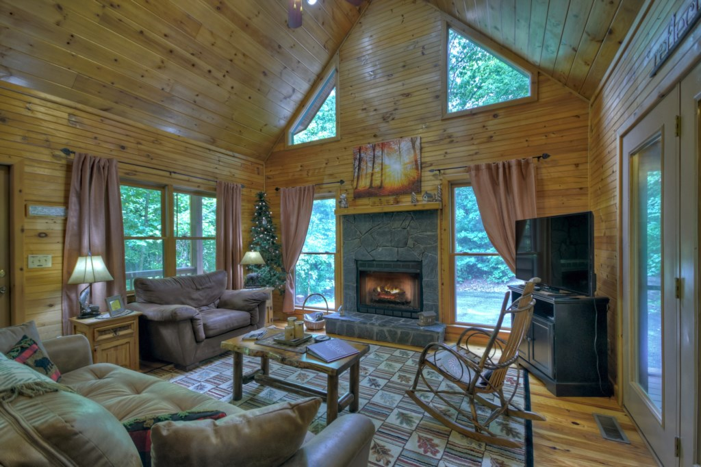 'This was a perfect cabin, clean, comforable, private' - Review Kim