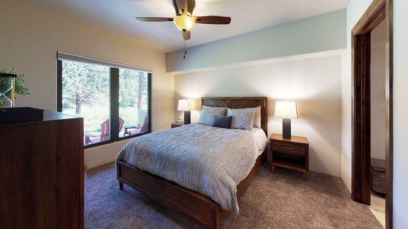 GhKbuQjxWrB-Bedroom.jpg