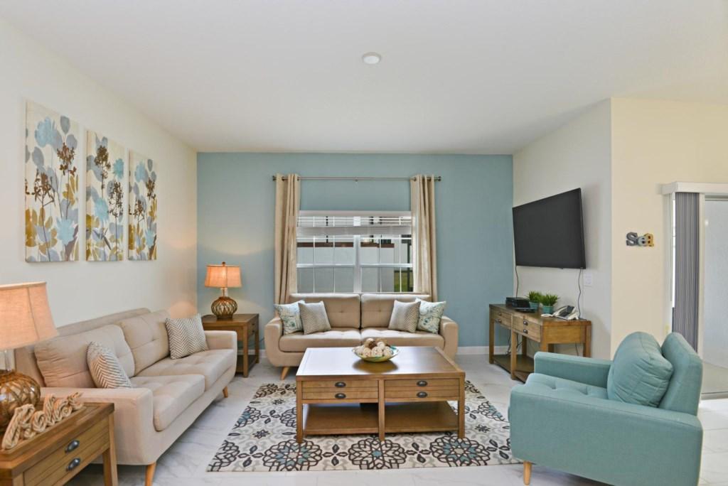 5_living_room.jpg