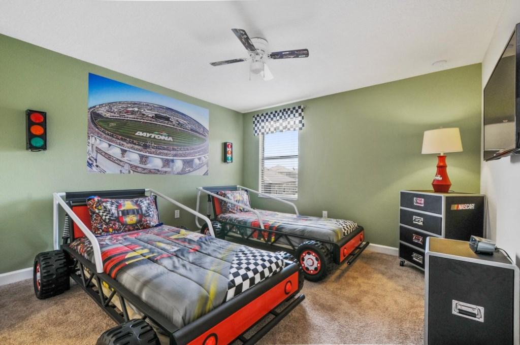 34_bedroom8