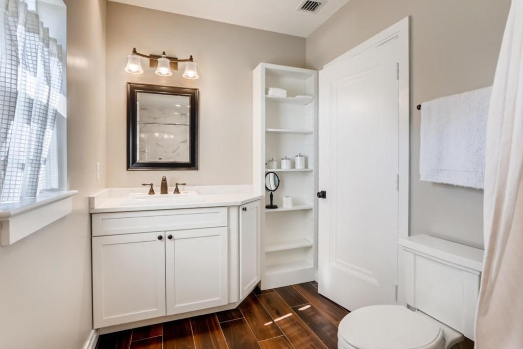 1205 Georgia Ave West Palm-large-009-006-Master Bathroom-1500x1000-72dpi.jpg