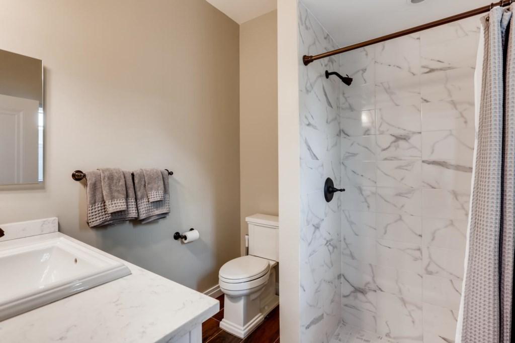1205 Georgia Ave West Palm-large-011-010-Bathroom-1500x1000-72dpi.jpg