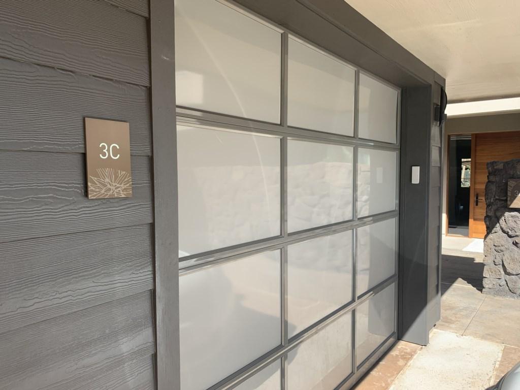 60.Garage