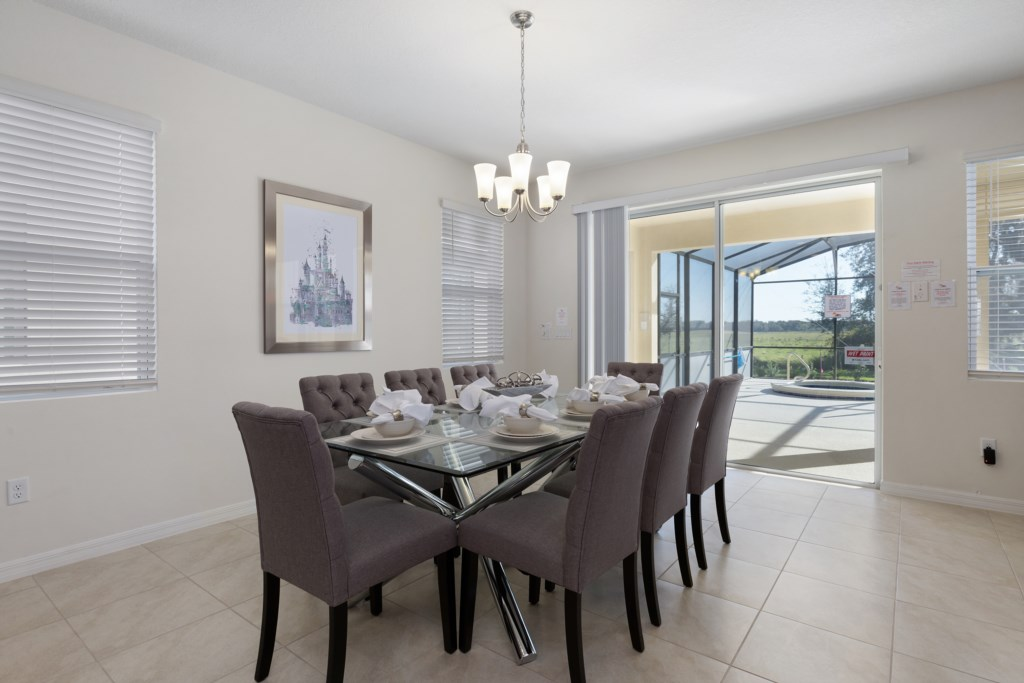 05 Dining Table with 8 Seats
