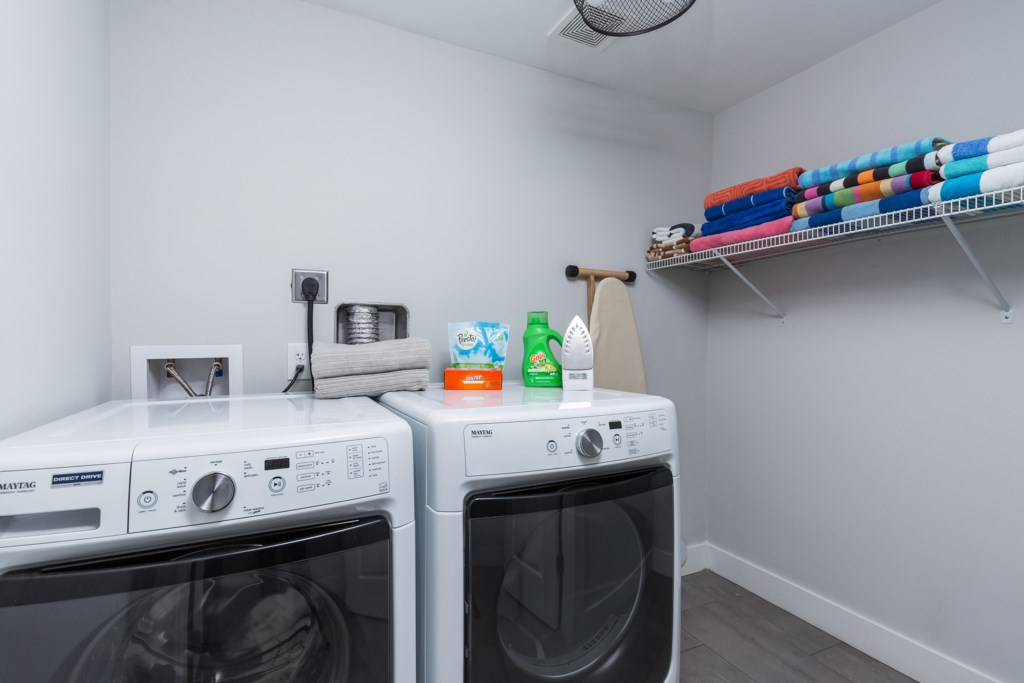 On site wash and dryer, laundry pods, pool towels provided