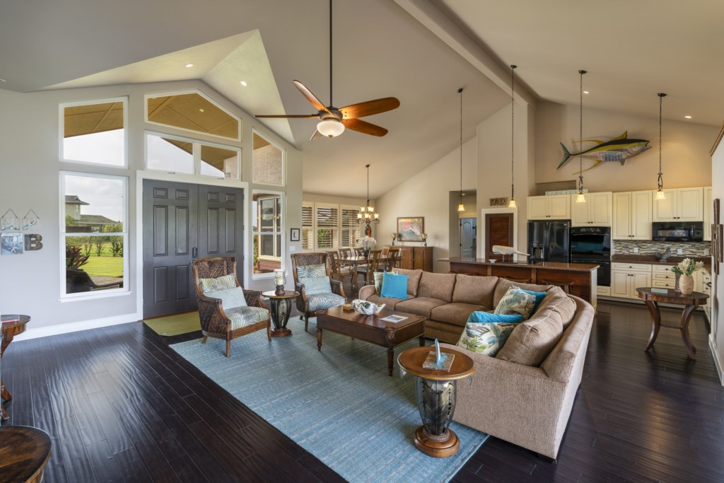 Open floor home - high ceilings with fans and a great area to entertain your family & guests