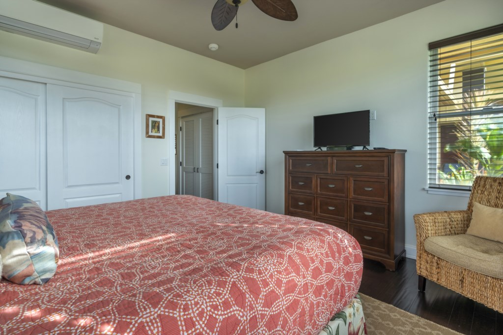 Bedroom view with ceiling fan