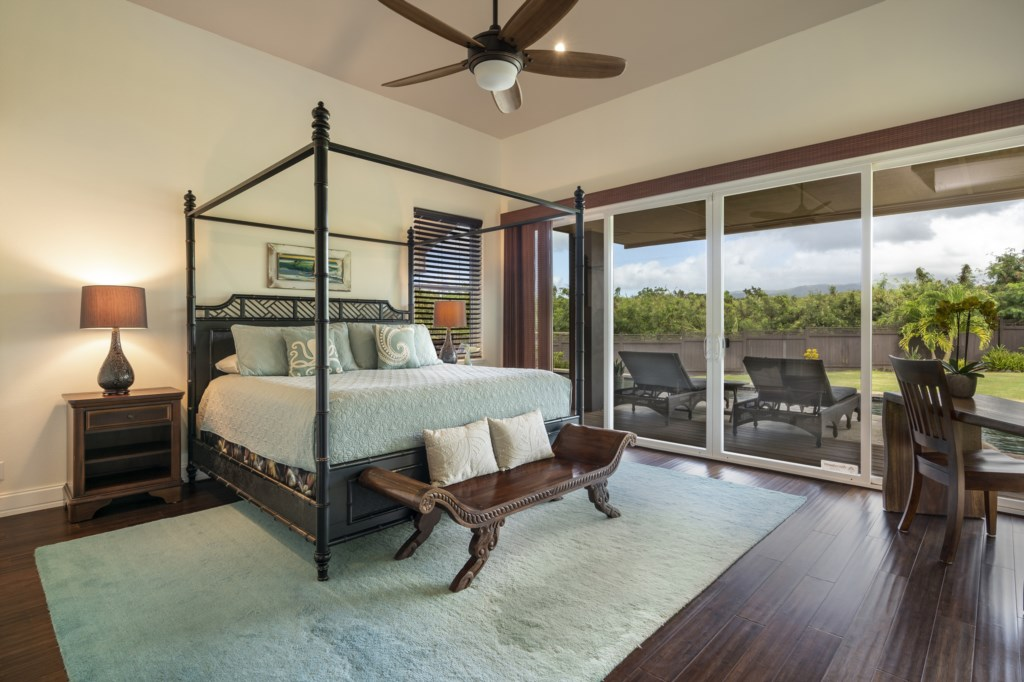 Comfy bed / ceiling fan - with a view