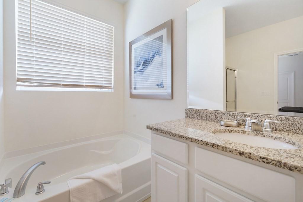 21 Bathroom with Bath Tub