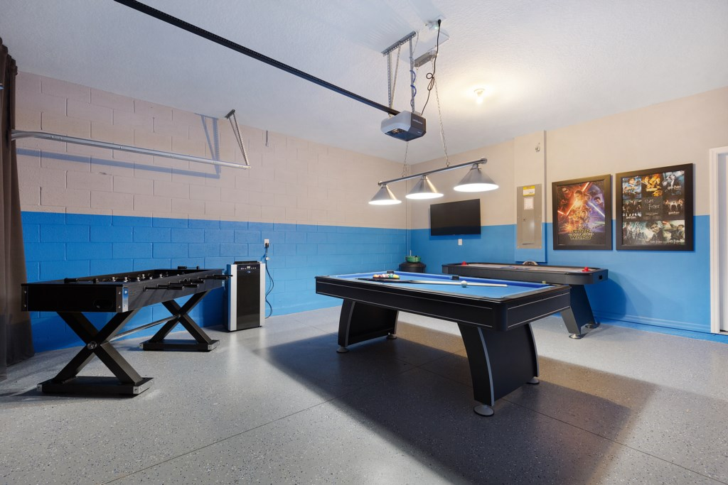 30 Games Room with Pool Table