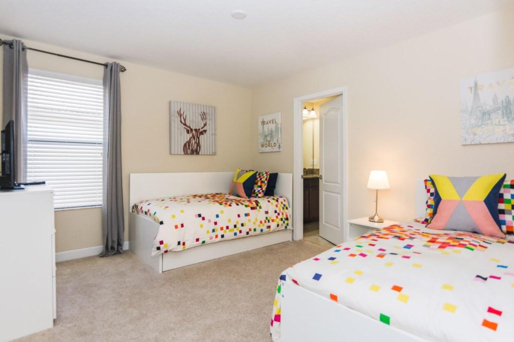 Twin Bedroom 1.jpg