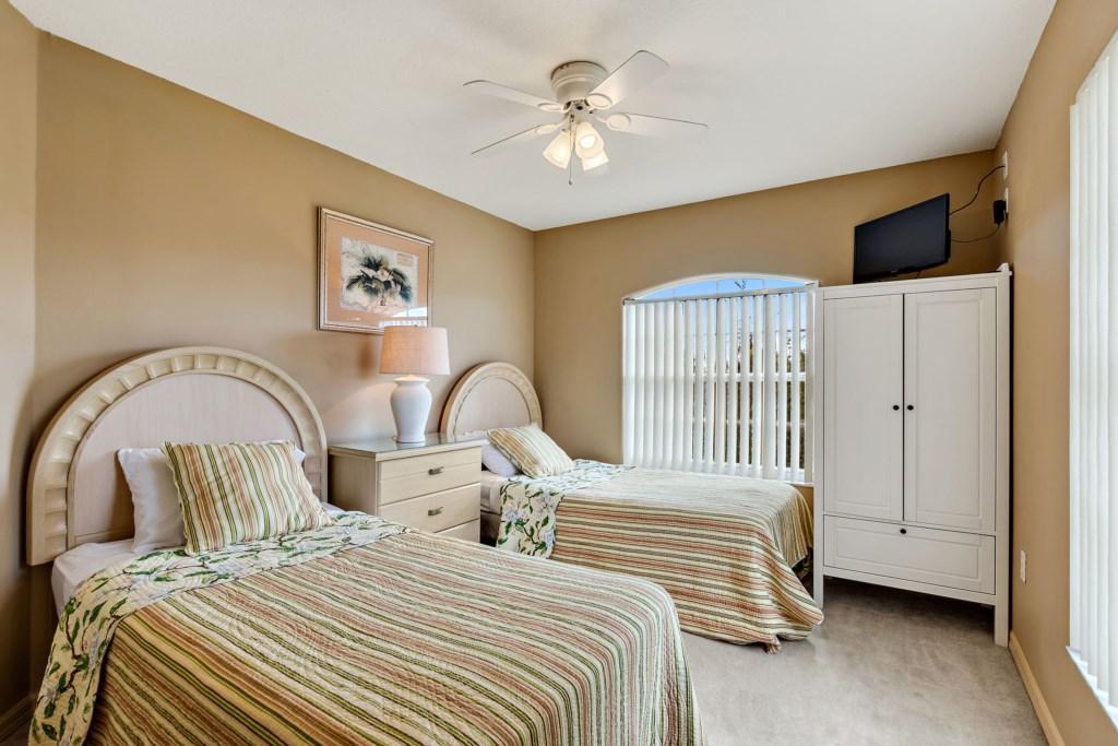 025 Guest Room