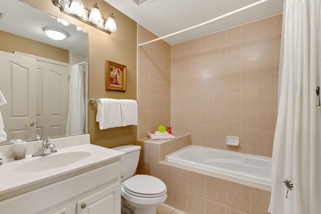 027 Guest Bath