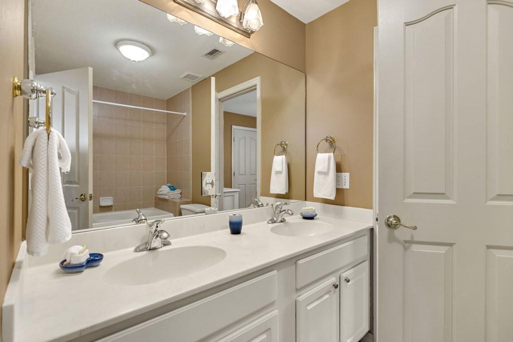 028 Guest Bath