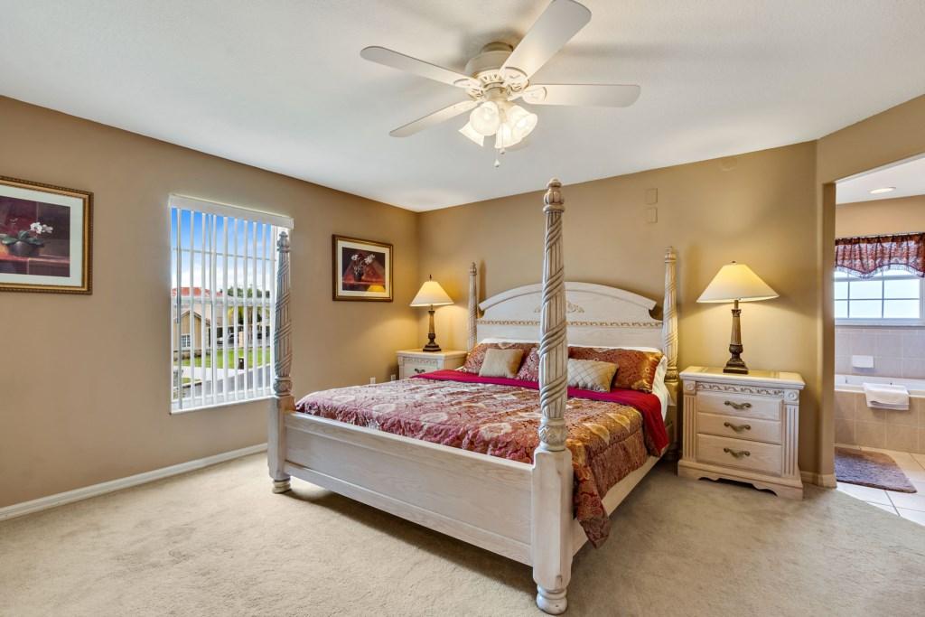 033 Master Bedroom