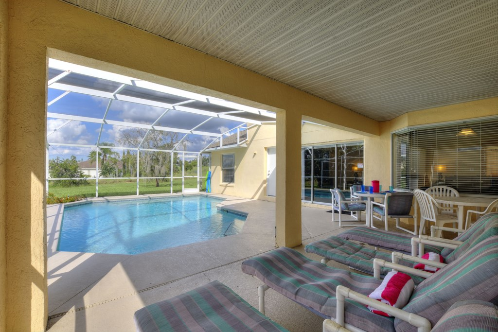 5 Bed Tropics Large Pool w/ Golf Views. Games Room