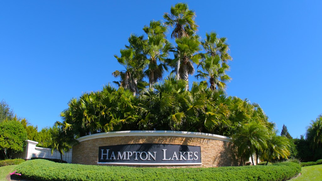 HamptonLakes_1