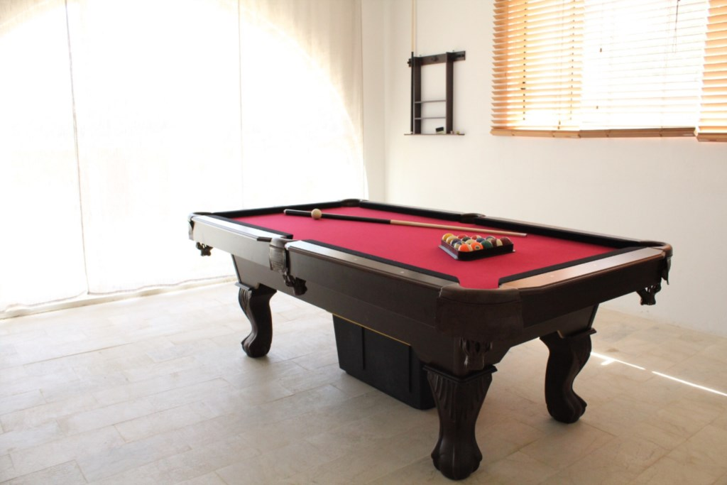 48_pooltable