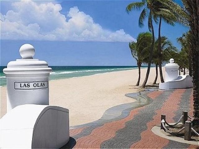 Beautiful_Las_Olas_Beach (Small).jpg