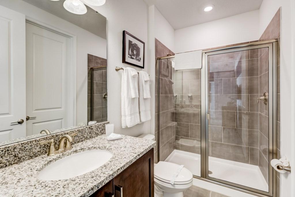 30_Bathroom_0721.jpg