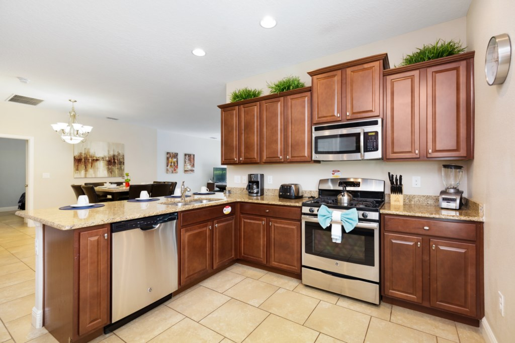 03_Fully_Fitted_Kitchen_0721.jpg