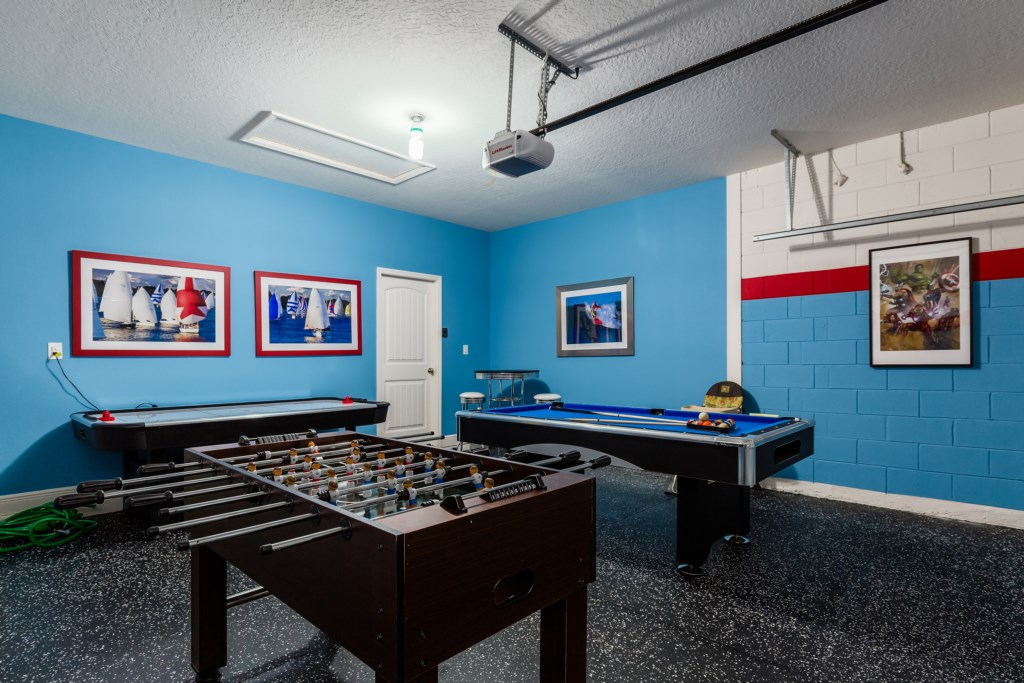 27_Games_Room_with_Football_Table_0721.jpg