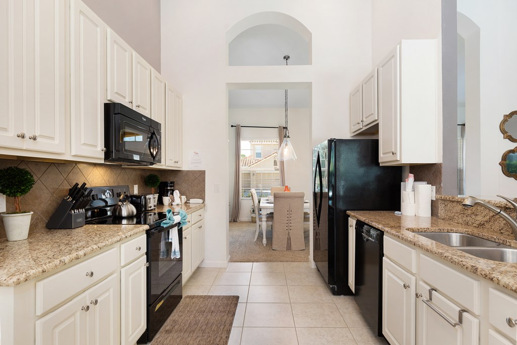 03_Fully_fitted_kitchen_&_appliances_0721.jpg