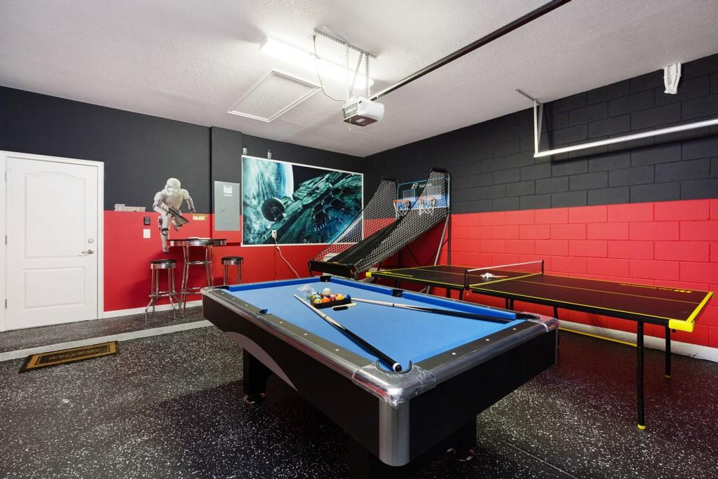 24_Pool_table_in_Games_Room_0721.jpg