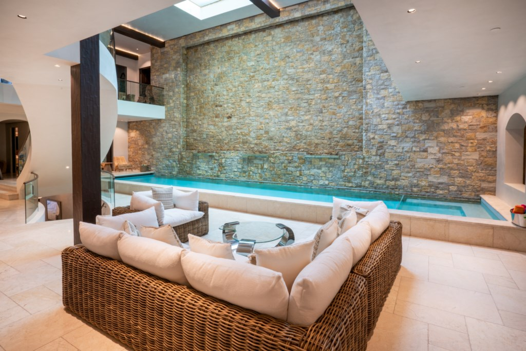 Pool with sitting area
