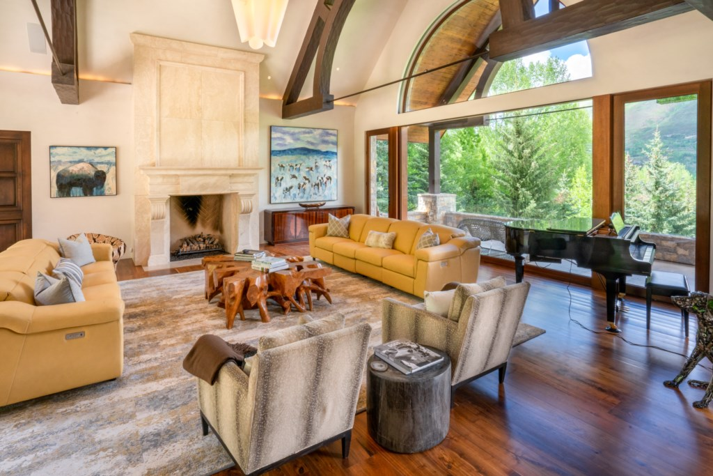 Living Room to outdoor porch