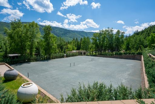 Tennis court use with reservations